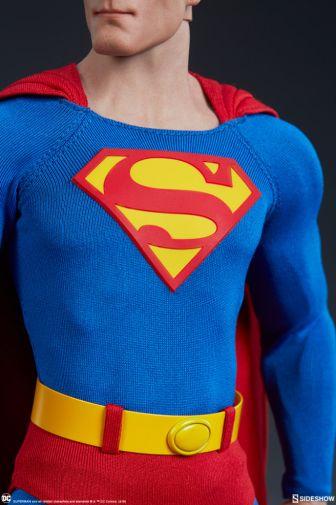 Sideshow - Superman - Sixth Scale Figure - 05