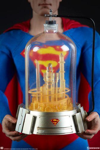 Sideshow - Superman - Sixth Scale Figure - 06