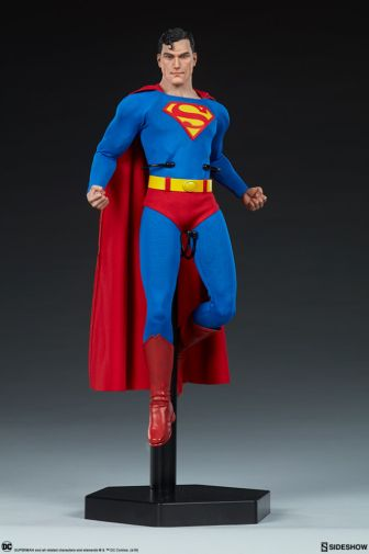 Sideshow - Superman - Sixth Scale Figure - 08