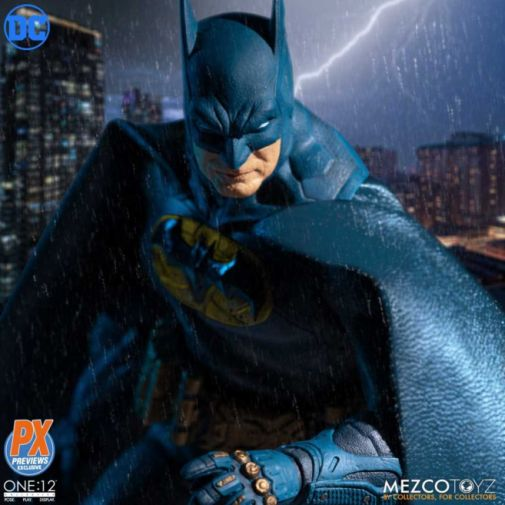 Mezco Toyz - Batman Supreme Knight - Previews Exclusive - 02
