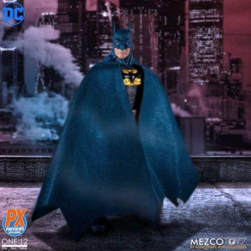Mezco Toyz - Batman Supreme Knight - Previews Exclusive - 07