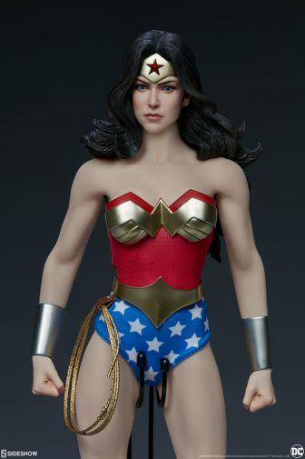 Sideshow - Wonder Woman - Sixth Scale Figure - 12