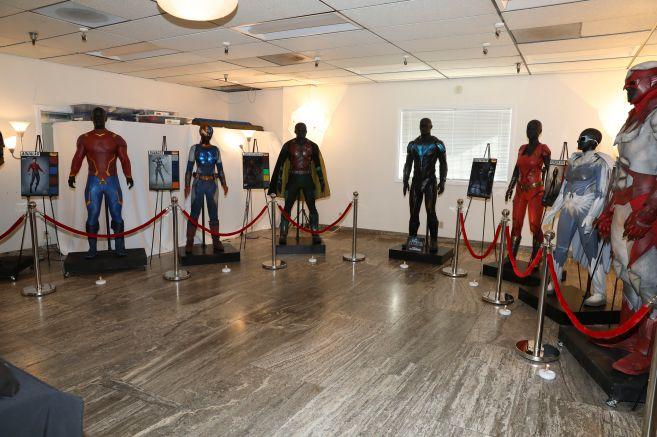 Titans - Season 2 - Nightwing Costume - 02