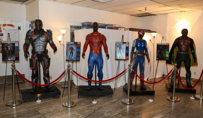 Titans - Season 2 - Nightwing Costume - 06