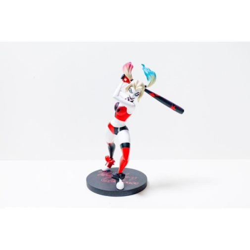 DC Collectibles - DC Universe - Harley Quinn Show Statue - 07
