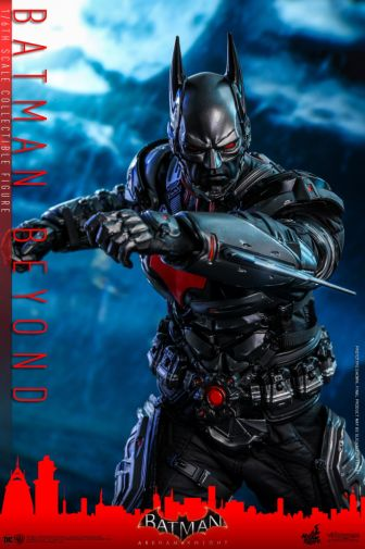 Hot Toys - Arkham Knight - Batman Beyond - 03