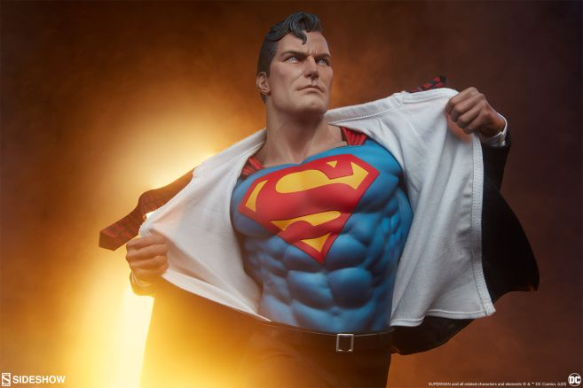 Sideshow - Superman - Call to Action Premium Format Figure - 07