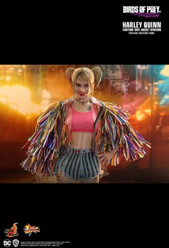 Hot Toys - Birds of Prey - Harley Quinn - Caution Tape Jacket Version - 08