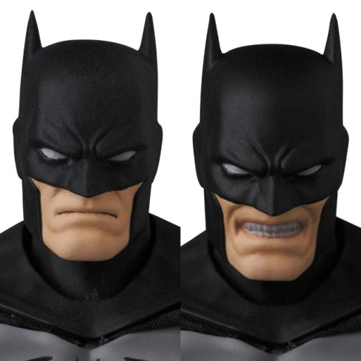 Medicom - MAFEX - Batman Hush - Black and Gray Suit - 08