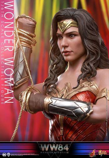 Hot Toys - Wonder Woman 1984 - 11