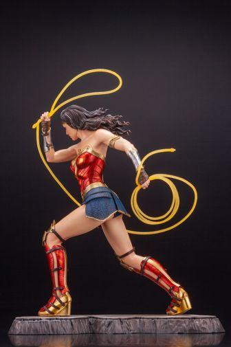 Kotobukiya - Wonder Woman 1984 - ARTFX - 04