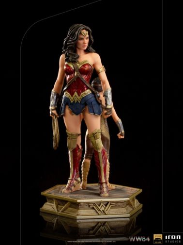 Iron Studios - DC Comics - Wonder Woman 1984 - Evolution of Wonder Woman - 05