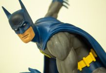 Diamond Select Classic Batman diorama statue