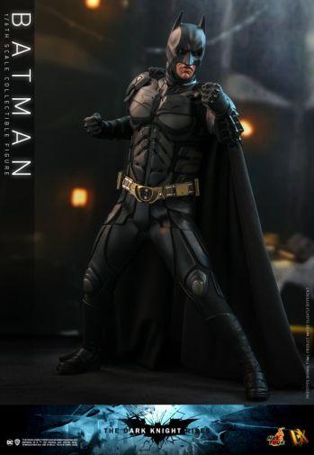 Hot Toys - The Dark Knight Rises - Batman - 05
