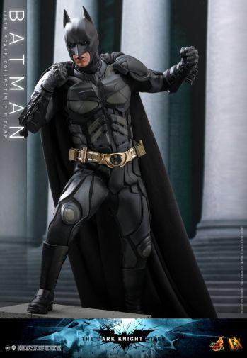 Hot Toys - The Dark Knight Rises - Batman - 06