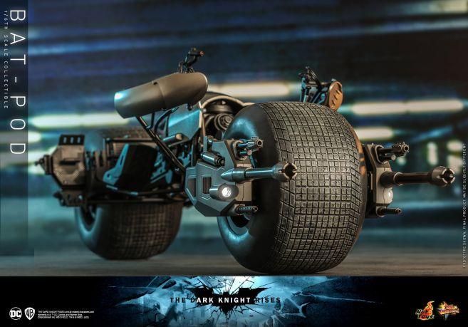 Hot Toys - The Dark Knight Rises - Batpod - 09
