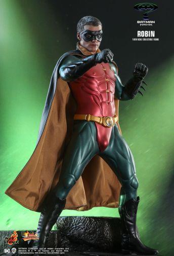 Hot Toys - Batman Forever - Robin - 03