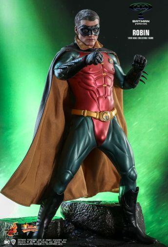 Hot Toys - Batman Forever - Robin - 04