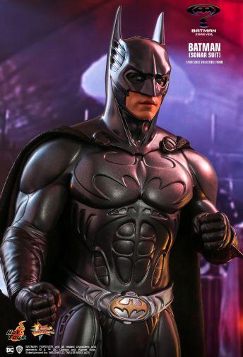 Hot Toys - Batman Forever - Sonar Suit Batman - 09
