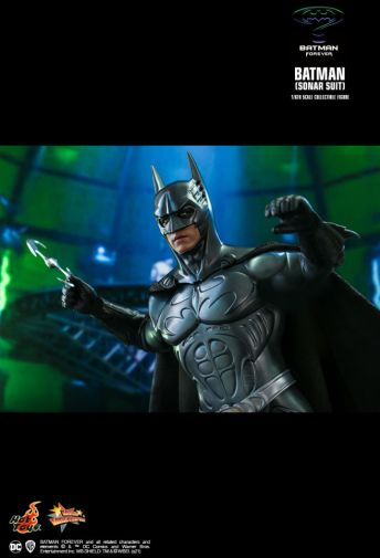 Hot Toys - Batman Forever - Sonar Suit Batman - 15