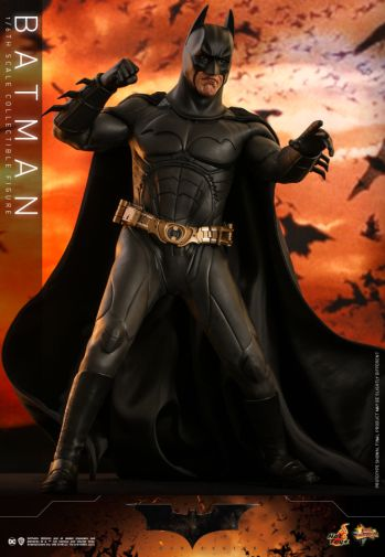 Hot Toys - Batman Begins - Batman and Batmobile - 12