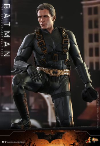 Hot Toys - Batman Begins - Batman and Batmobile - 18