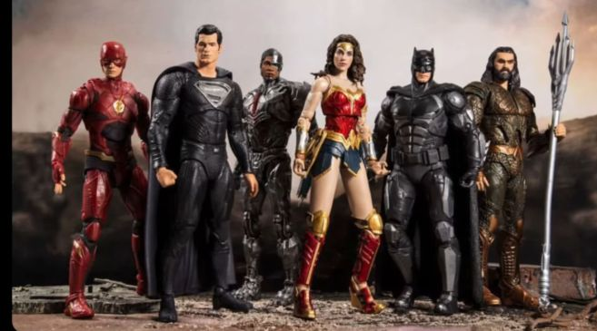 McFarlane Toys - Zack Snyders Justice League - Group Shot - 01