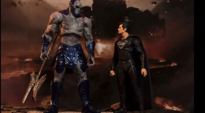McFarlane Toys - Zack Snyders Justice League - Group Shot - 02