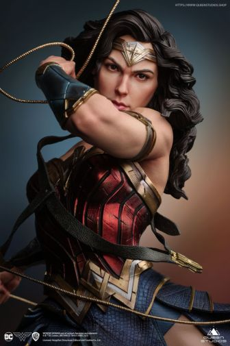 Queen Studios - Wonder Woman - 04