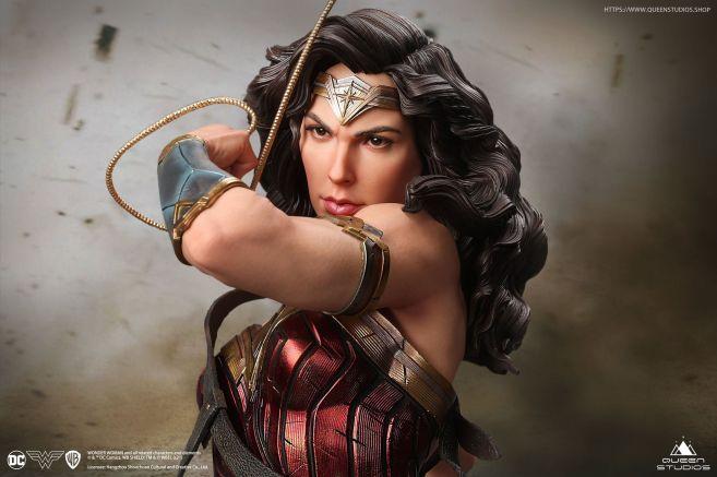 Queen Studios - Wonder Woman - 08