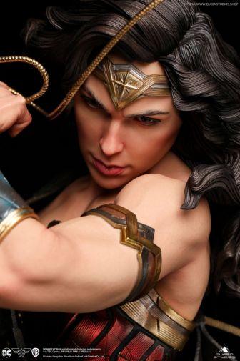 Queen Studios - Wonder Woman - 17
