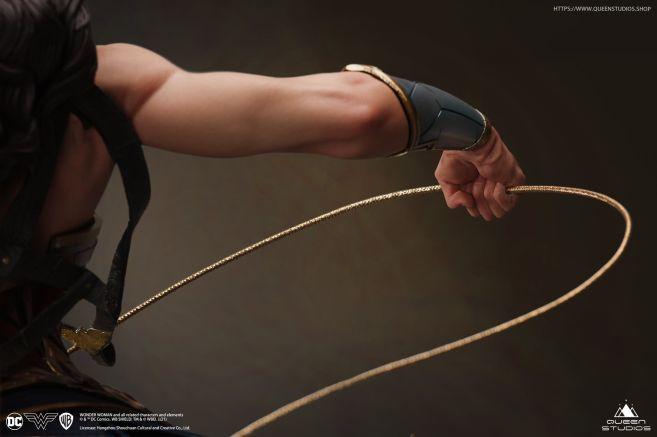 Queen Studios - Wonder Woman - 34