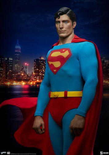 Sideshow - DC - Superman 1978 Premium Format Figure - 04