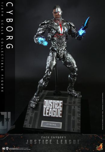 Hot Toys - Zack Snyders Justice League - Cyborg - 06