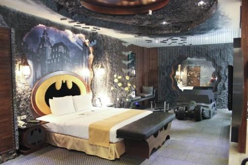 Eden Motel batman room