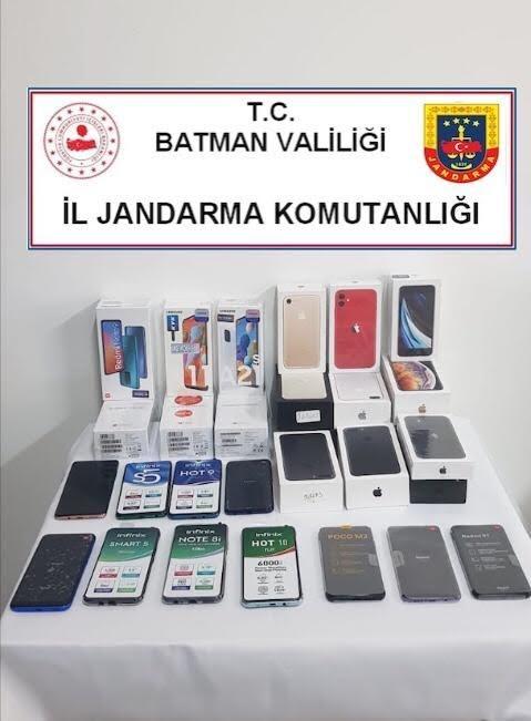Batman'da 220 bin lira değerinde kaçak telefon ele geçirildi