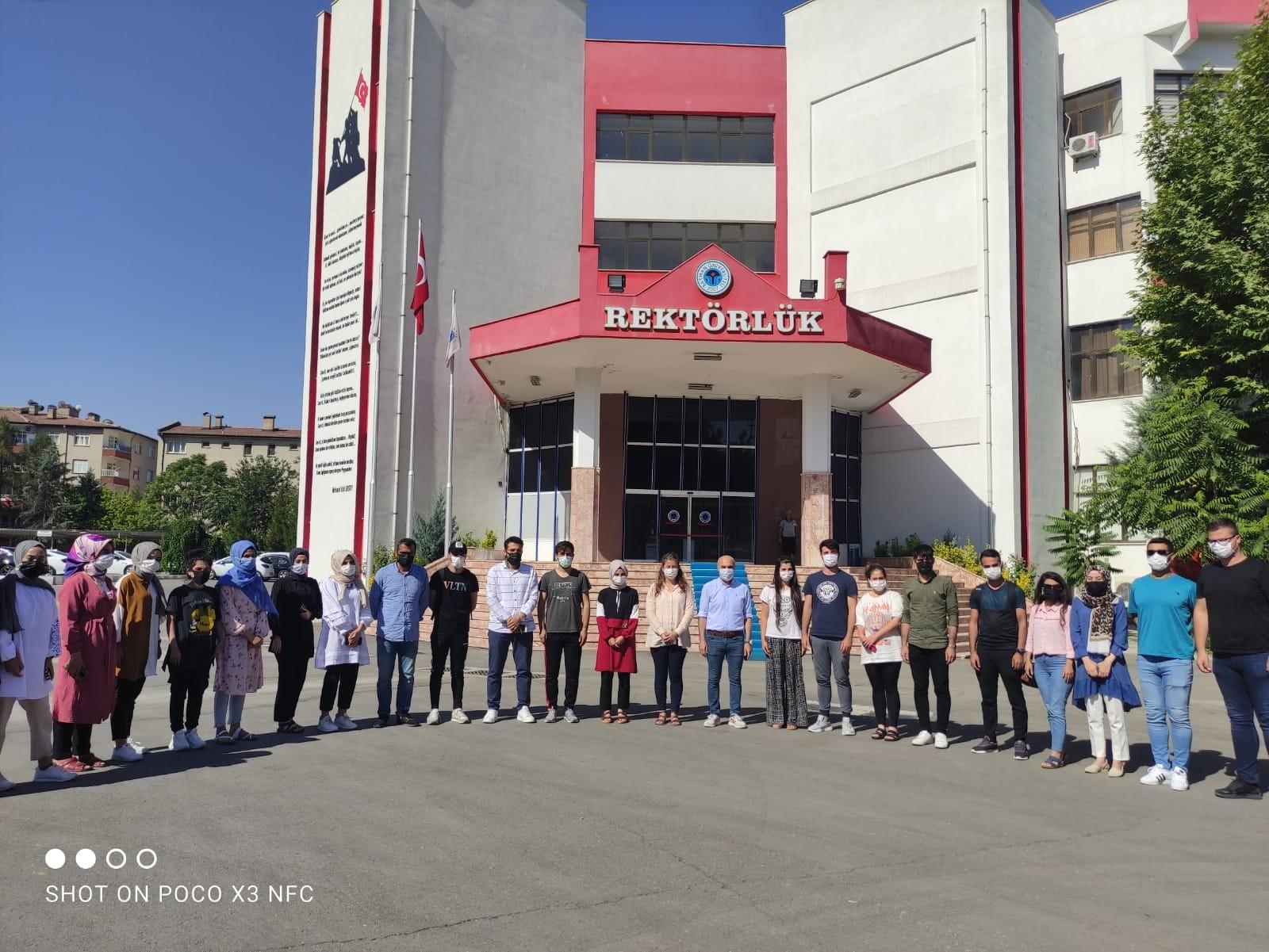 Ankara-Çanakkale gezisine gönderilen ikinci öğrenci kafilesi törenle karşılandı