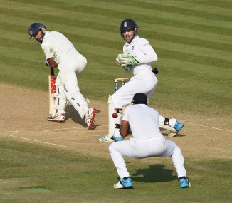 """""""Dhawan has been jabbing at the ball, much like Pujara and Kohli"""""""