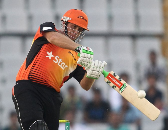 Simmons' excellent form with the bat continued