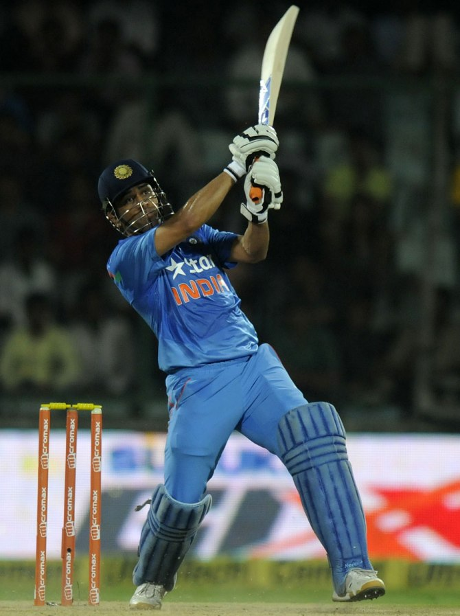 Dhoni smashed five boundaries and a six during his unbeaten knock of 51