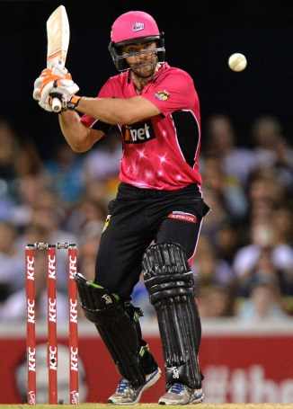 Carters smashed three boundaries and a six during his match-winning knock of 30