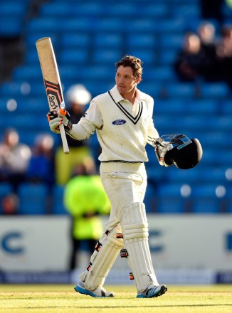 Watling became the first New Zealand batsman to score a Test century at Headingley