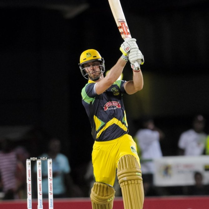 Lynn walloped three boundaries and four sixes during his innings of 52