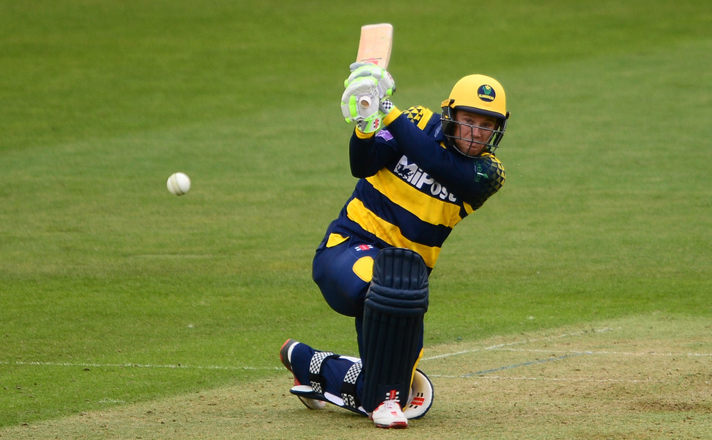 Mat Pillans bowled off his elbow in NatWest T20 Blast quarter-final