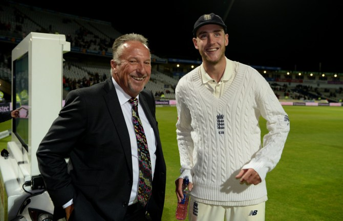 Stuart Broad Sir Ian Botham England cricket
