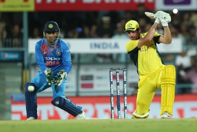 Moises Henriques half-century Australia India cricket