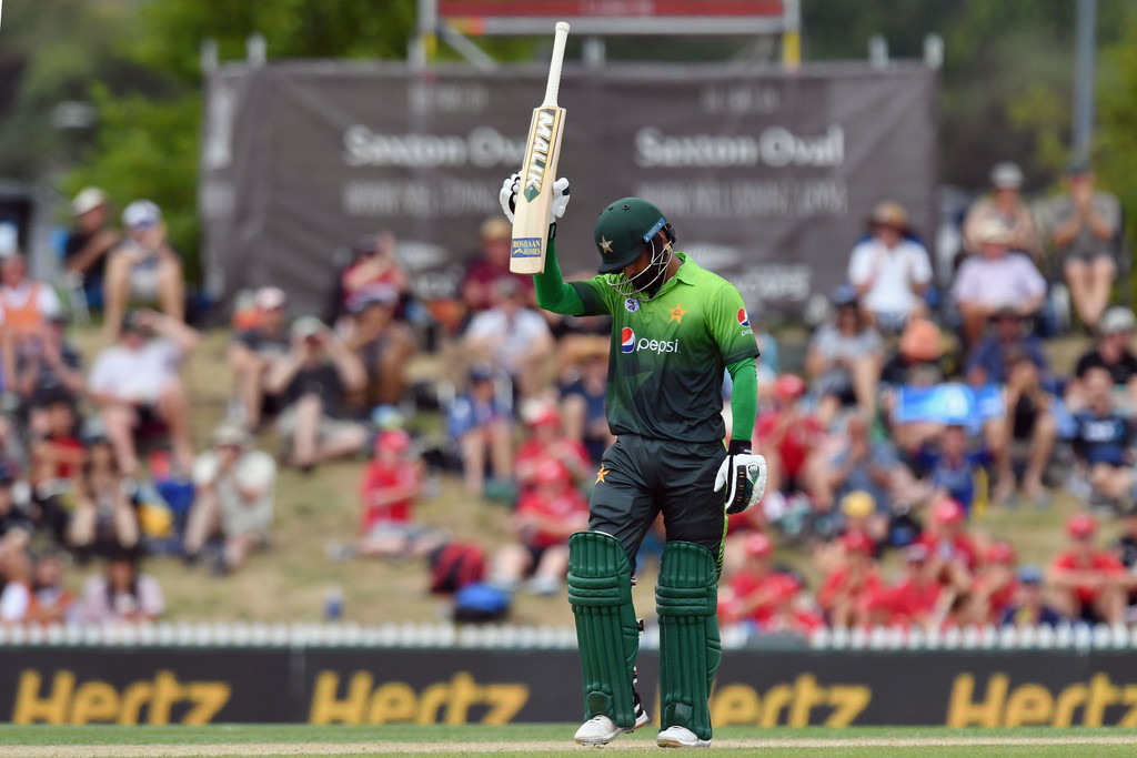 Mohammad Hafeez 33rd fifty New Zealand Pakistan 2nd ODI cricket