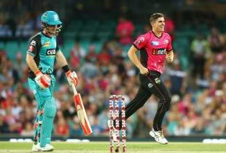 Sean Abbott four wickets Sydney Sixers Brisbane Heat BBL cricket