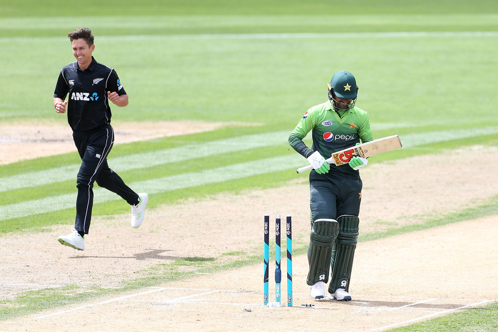 Trent Boult five wickets New Zealand Pakistan cricket