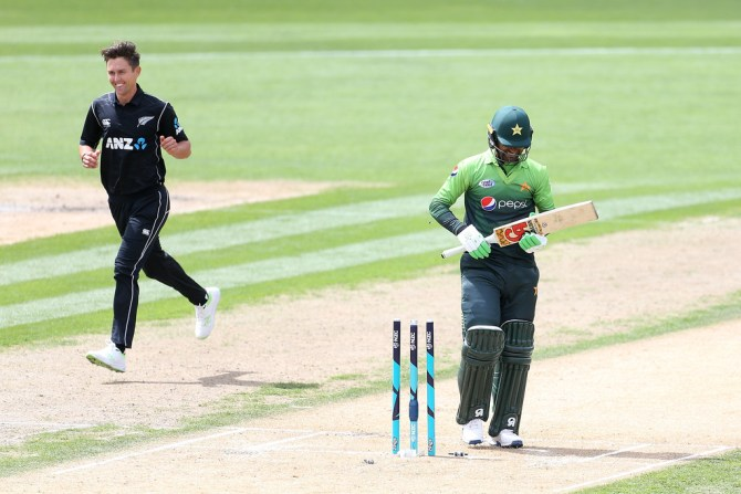 Trent Boult five wickets New Zealand Pakistan cricket